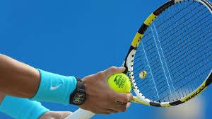 terrain de tennis dans le domaine (prêt du matériel)