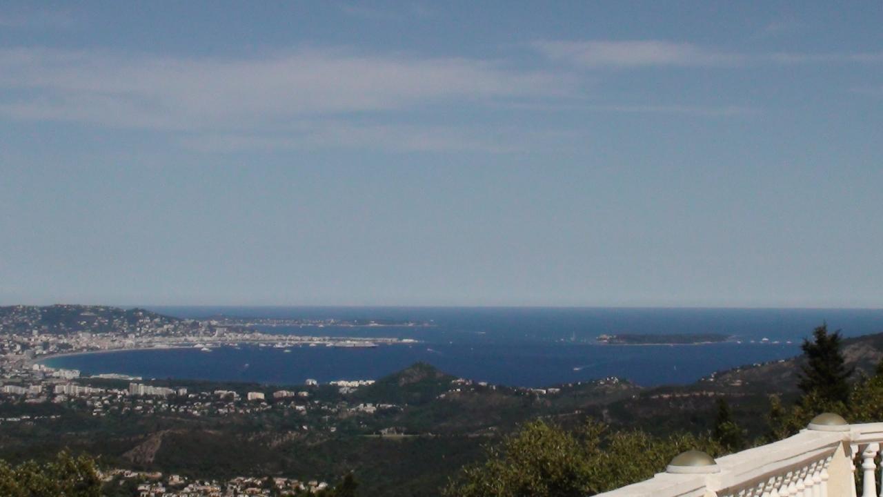 vue mer et île de Lérins sur terrasse