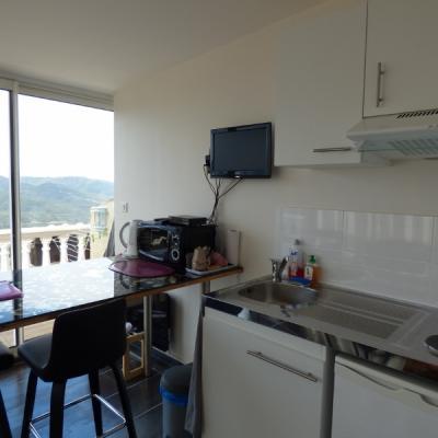 chambre appartement vue panoramique 180° mer et montagnes
